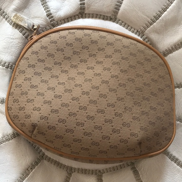 297650658dd4e Authentic & Vintage Gucci cosmetic bag pouch case